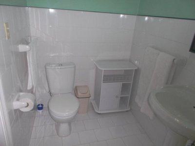 Apt. 33 Bathroom