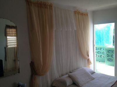 Room 3 Twin Details