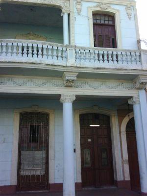 Casa Dr. Garcia Mantecon en Prado-Hernan & Maykel