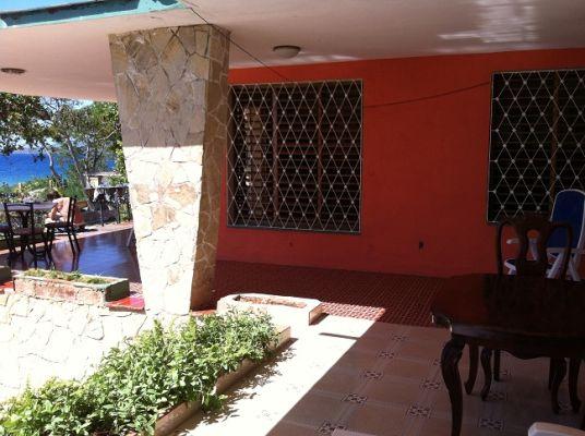 casa-hostal-el-capitan-playa-la-boca-4-6-jpg