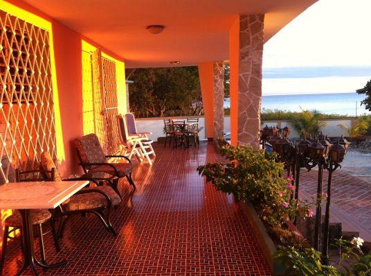 casa-hostal-el-capitan-playa-la-boca-4-jpg