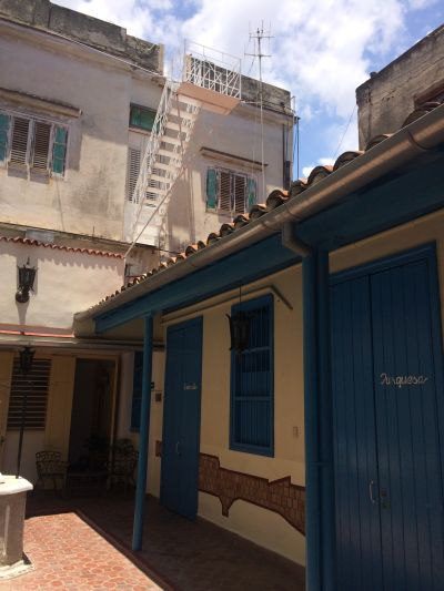 Casa hostal el zafiro bbinn casas particulares in cuba for Cama zafiro
