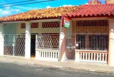 Casa Hostal Handy Santalla