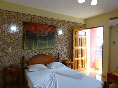 casa-hostal-raul-kathy-santiago-de-cuba-5-13-jpg