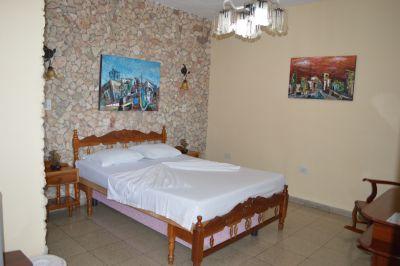 casa-hostal-raul-kathy-santiago-de-cuba-5-15-jpg