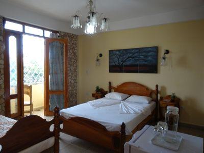 casa-hostal-raul-kathy-santiago-de-cuba-5-21-jpg