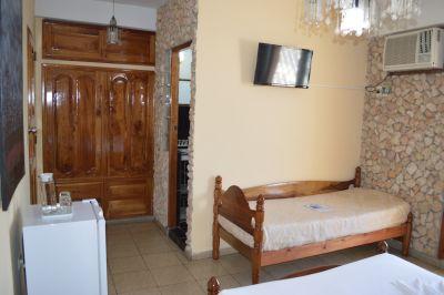 casa-hostal-raul-kathy-santiago-de-cuba-5-34-jpg