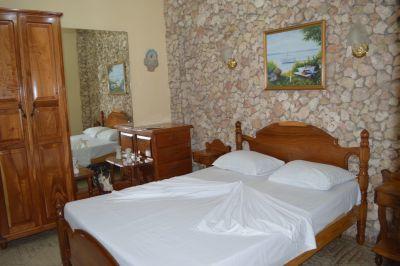 casa-hostal-raul-kathy-santiago-de-cuba-5-42-jpg