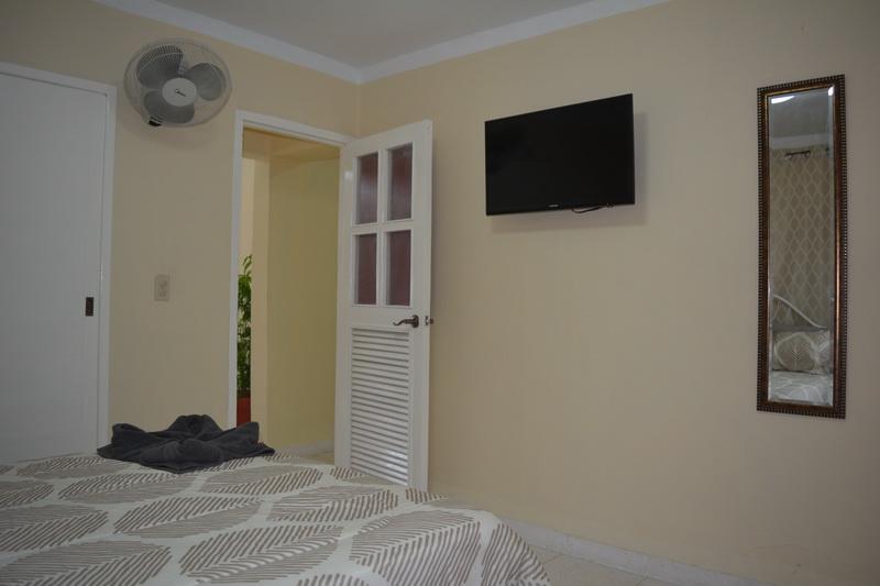Room 2 Twin Details