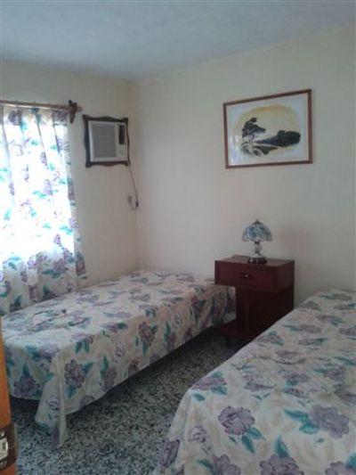 Room 1 Twin