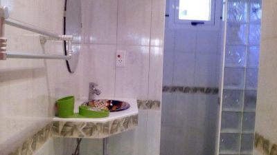 VE I Bathroom 2