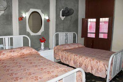 hostal-zoe-y-norberto-trinidad-4-12-jpg