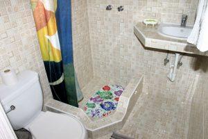 17bathroom3-300x200-jpg