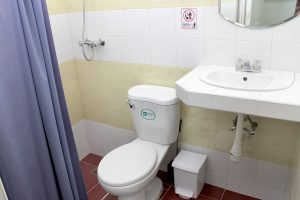 13bathroom1-1-300x200-jpg
