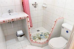 21bathroom2-300x200-jpg