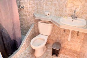 09bathroom1-300x200-jpg