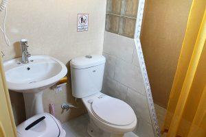 18bathroom2-1-300x200-jpg