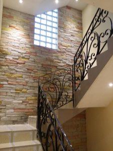 escalera-hacia-terrazas-225x300-jpg