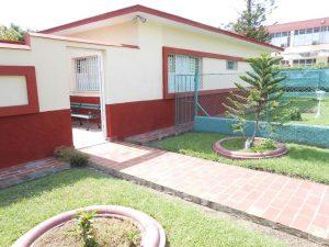 hostal-el-pino-entrada-3-1024x768-300x225-jpg