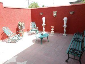 hostal-el-pino-entrada-bienvenida-1024x768-300x225-jpg
