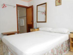 hostal-el-pino-habitacion-2-1024x768-300x225-jpg