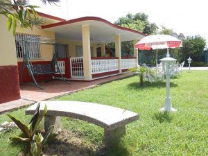 hostal-el-pino-terraza-1024x768-300x225-jpg