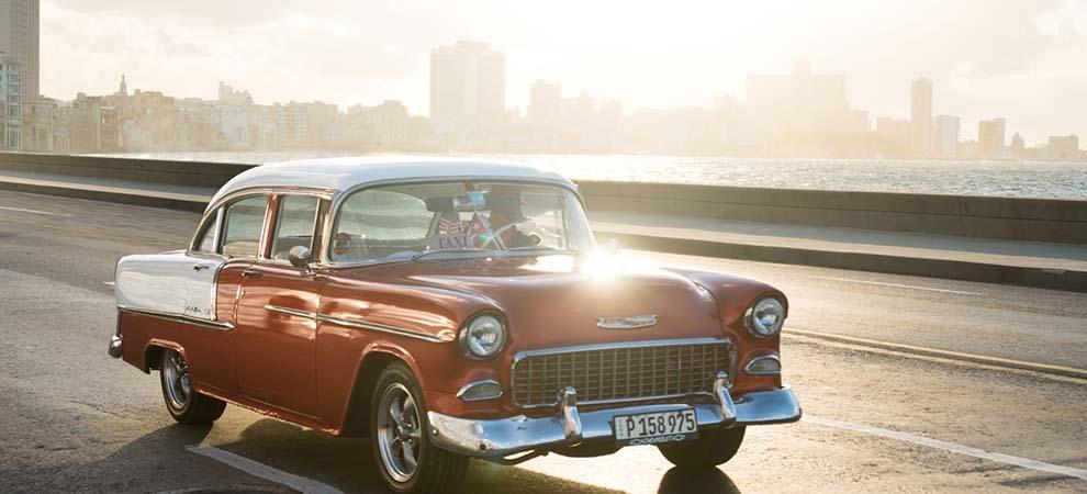 An oldtimer in Havana's Malecon